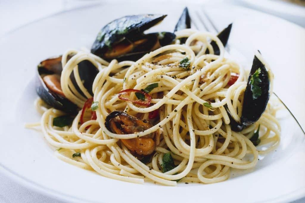 spaghetti blåmusslor recept